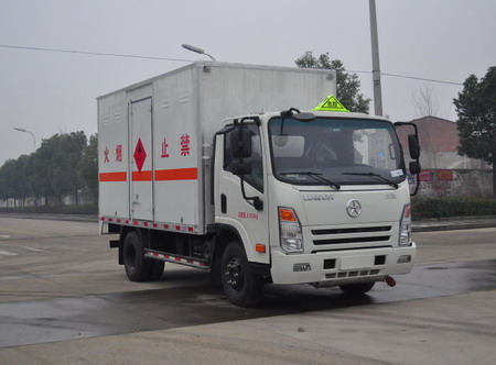 CGC5081XRQHDD33E易燃气体厢式运输车