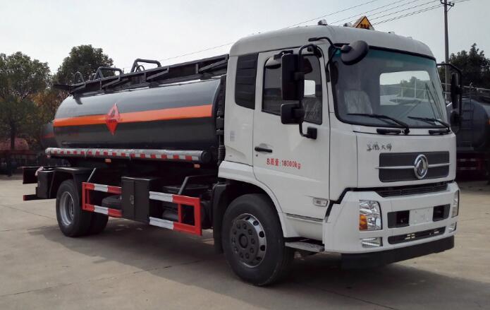 DLQ5180GRYD5易燃液体罐式运输车