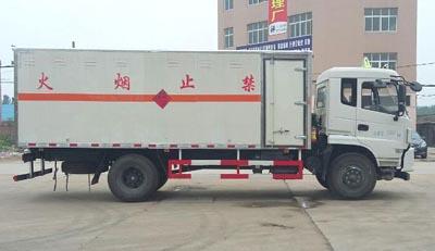 东风专用底盘易燃气体厢式运输车