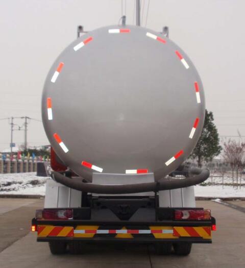 东风后八轮13-15吨低密度粉粒物料运输车