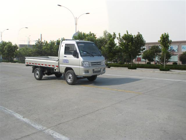 程力威BJ1030V4JV4-F1侧装挂桶垃圾车