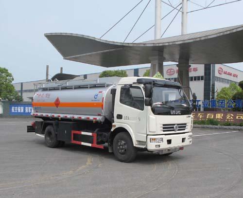 久龙牌8吨加油车(ALA5110GJYE5)的六大优势