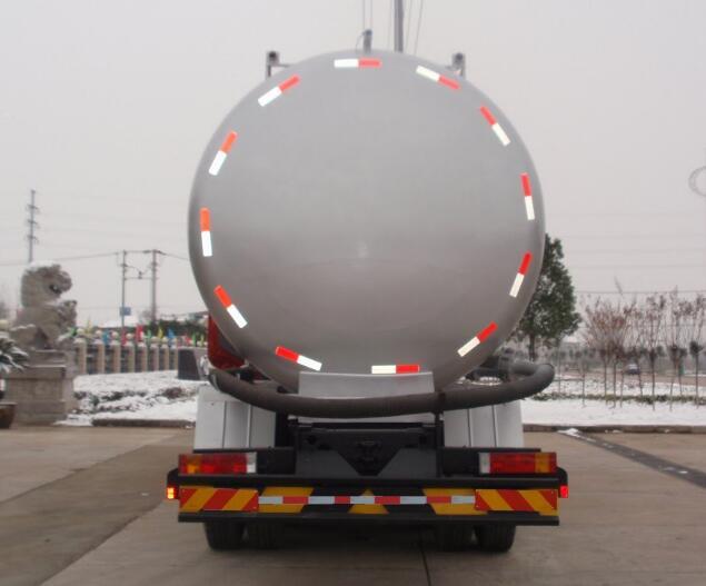 东风天龙12-15吨低密度粉粒物料运输车