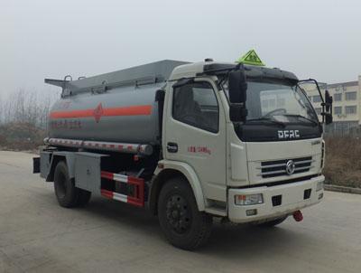 多利卡甲醇/酒精易燃液體罐式運輸車6.5噸