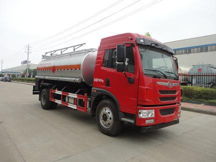 解放10吨运油车