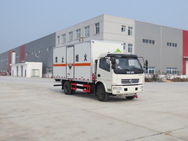 JDF5120XFWE5腐蚀性物品厢式运输车