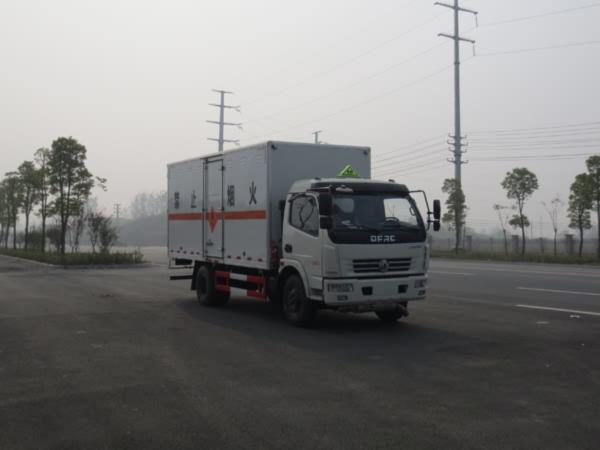 JDF5120XRYE5易燃液体厢式运输车