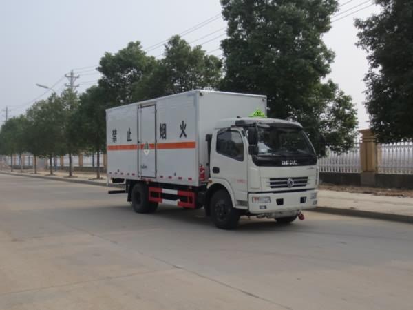 (厢长5.15米)东风杂项危险物品厢式运输车