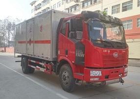 解放J6爆破器材运输车