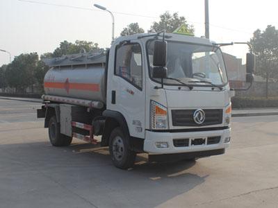 东风御虎4吨加油车