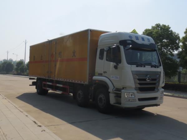 JDF5250XRYZ5易燃液體廂式運輸車