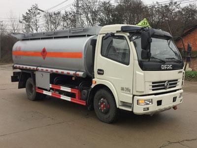 多利卡運油車8噸(柴汽煤油)