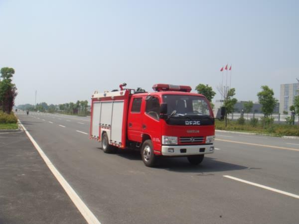 江特5吨水罐消防车