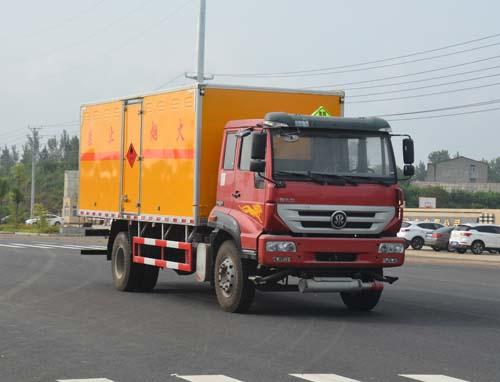 重汽易燃氣體廂式運輸車