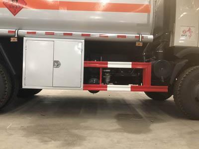 15噸甲醇、酒精、二甲苯易燃液體罐式運輸車圖片