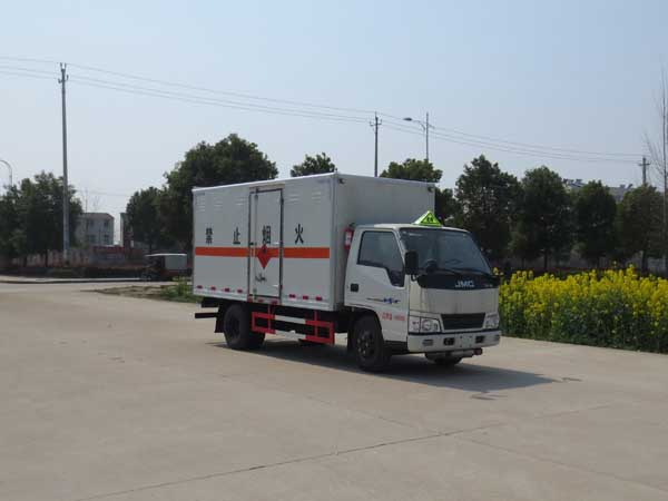 JDF5041XRYJ5易燃液体厢式运输车