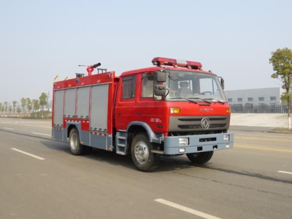 东风5吨泡沫消防车