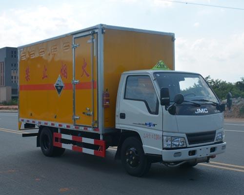 (廂長4.13米)江鈴腐蝕性物品廂式運輸車
