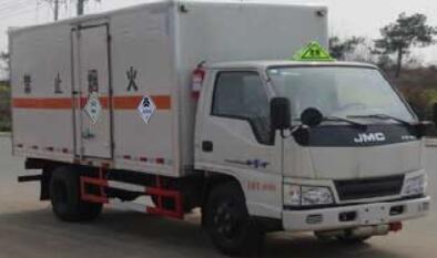 江鈴順達4.2米毒性和感染性物品廂式運輸車圖片