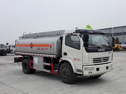 东风多利卡8-9吨流动加油车