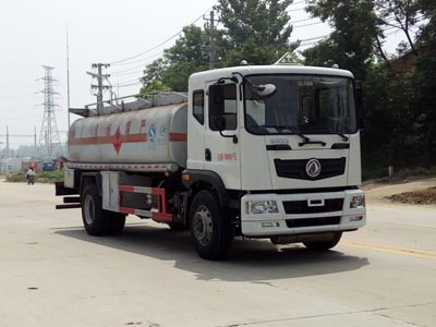 东风多利卡D9加油车