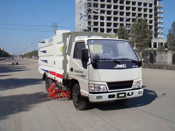 JDF5060TSLJ5扫路车