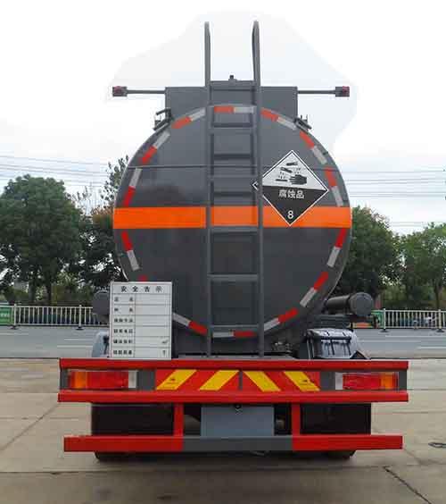 東風多利卡7.44立方腐蝕性物品罐式運輸車_高清圖片