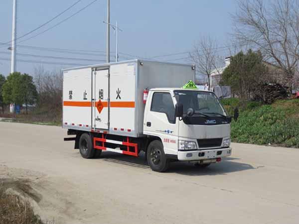 江铃爆破器材运输车(4.2米蓝牌)
