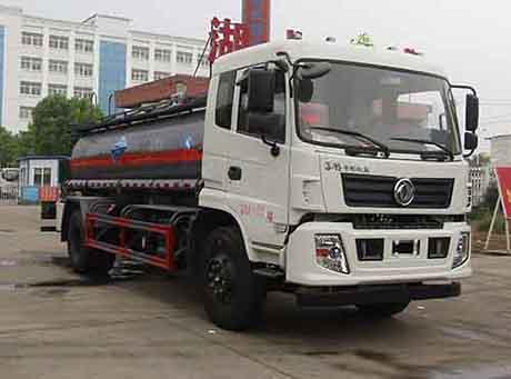 东风10.6立方腐蚀性物品罐式运输车