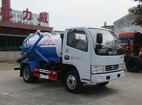 怎样正确使用和操作10吨吸污车