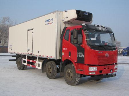 一汽解放J6小三轴7.7米冷藏车