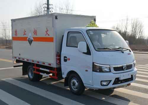 (廂長3.17米)東風途儀腐蝕性物品廂式運輸車