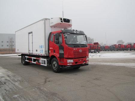 解放J6单桥7米5货箱冷藏车