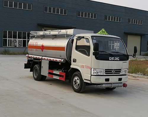 东风4-5吨流动加油车