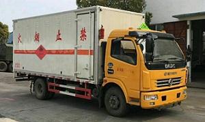 东风多利卡D7易燃气体厢式运输车