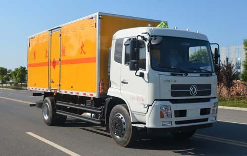JHW5180XRYD易燃液體廂式運輸車
