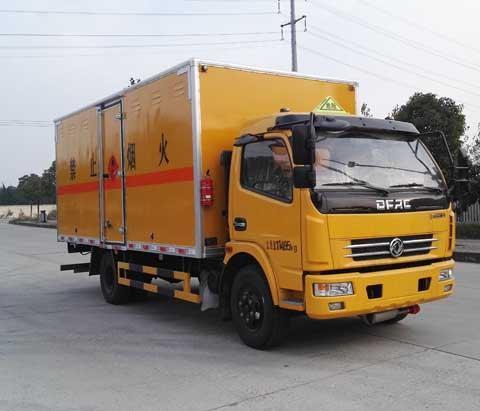 (廂長5.15米)東風多利卡易燃氣體廂式運輸車