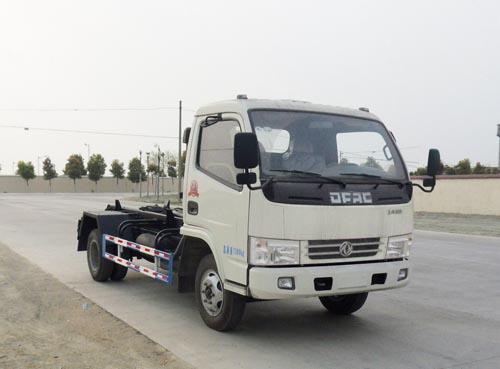 东风多利卡4方勾臂式垃圾车(东风多利卡4方厢可卸式垃圾车)