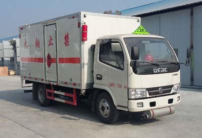 东风多利卡D6易燃液体厢式运输车