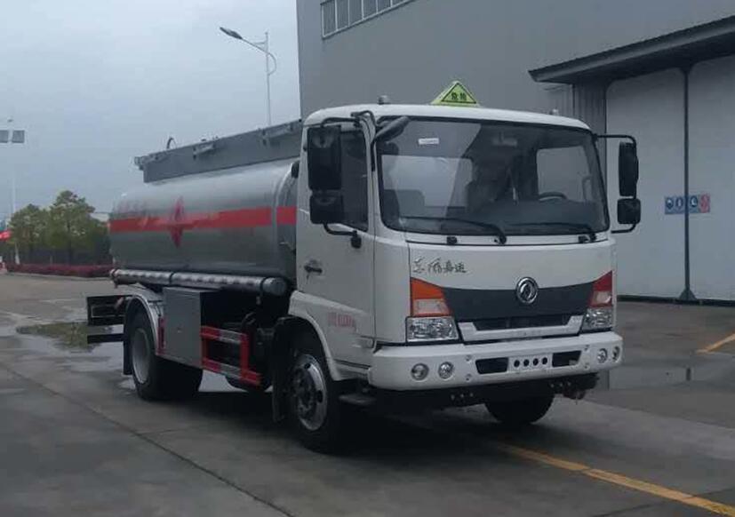 东风嘉运9吨加油车
