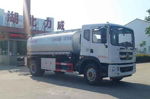 14吨东风D9洗井液普货油罐车