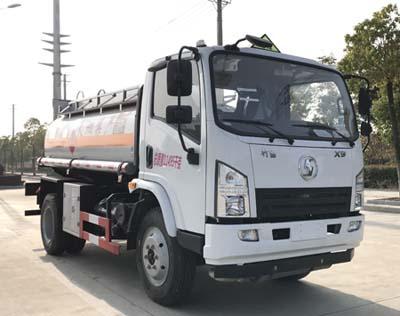 陕汽轩德6吨运油车