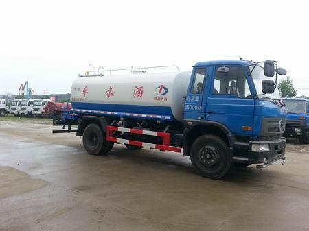 东风D9大多利卡12吨绿化洒水车