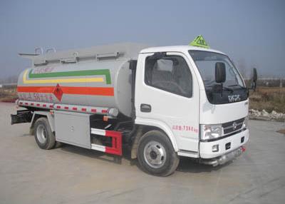 東風5噸油罐車配置 小型流動加油車現車低價銷售 包上戶