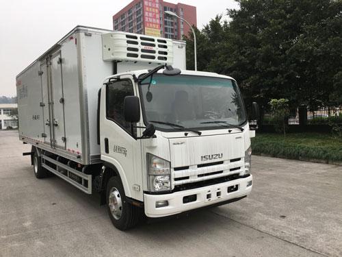 庆铃五十铃700P6.8米冷藏车