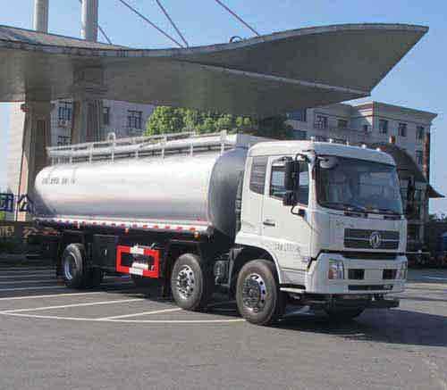 东风天锦15吨食用油运输车