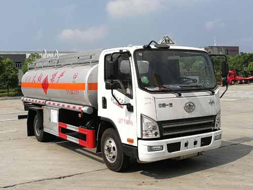 青島解放9方運油車