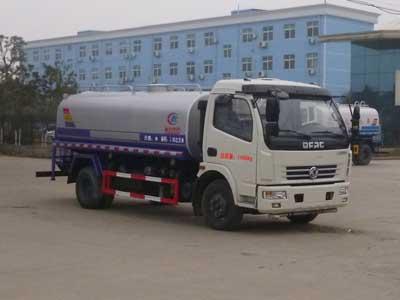 东风D7多利卡9.5吨洒水车