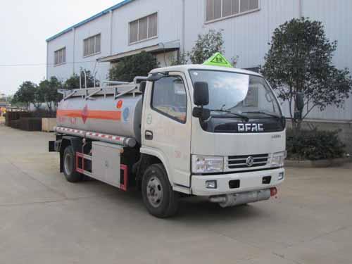 亚博体育官网3-5吨加油车