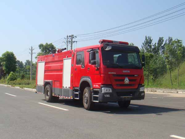 JDF5204GXFPM80泡沫消防车